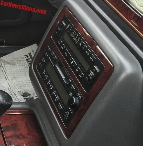 Can canh sedan Century, xe sang khung nhat cua Toyota-Hinh-7