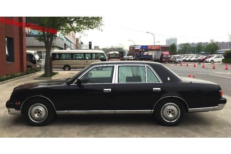 Can canh sedan Century, xe sang khung nhat cua Toyota-Hinh-9