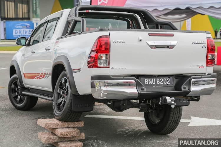 """Toyota Hilux """"doc"""" hon voi phu kien chinh hang TRD-Hinh-3"""