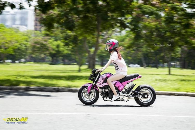 Nu biker Viet cuc cool ben Honda MSX125 hang khung-Hinh-7