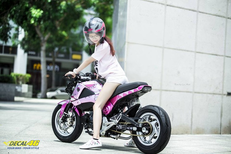 Nu biker Viet cuc cool ben Honda MSX125 hang khung-Hinh-8