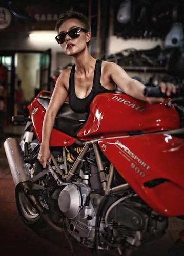 """""""Nu quai"""" Viet sieu ngau ben moto Ducati Supersport 900-Hinh-3"""