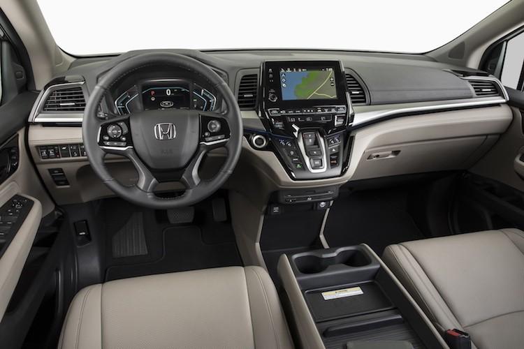 "Xe gia dinh Honda Odyssey 2017 ""chot gia"" 700 trieu-Hinh-5"