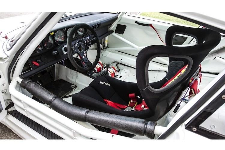 Sieu xe Porsche 911 GT2 chay 20 nam ban gia 32,9 ty-Hinh-4