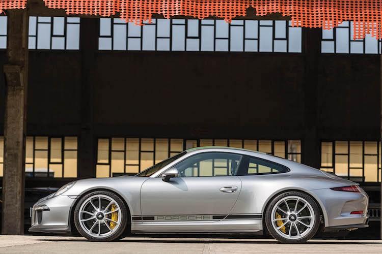 """Sieu xe """"hang doc, gia hoi"""" Porsche 911R gia chi 9,1 ty-Hinh-3"""