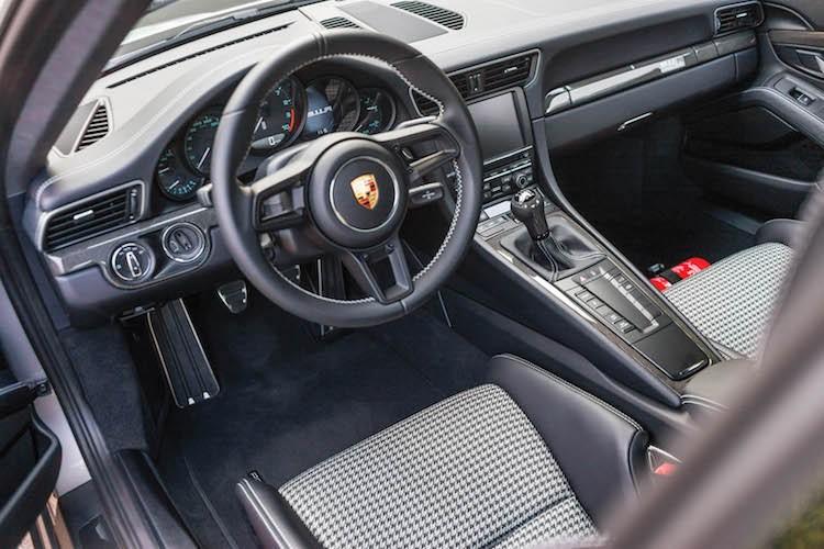 """Sieu xe """"hang doc, gia hoi"""" Porsche 911R gia chi 9,1 ty-Hinh-5"""