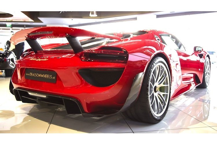 "Porsche 918 Spyder ""mau ao"" Ferrari chot gia 36,3 ty-Hinh-7"