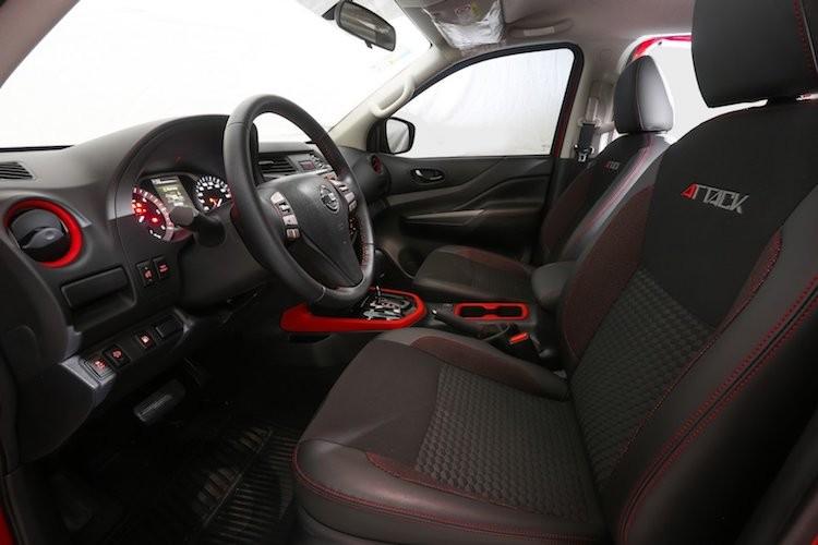 """Nissan Navara """"sieu ngau"""" moi se ha be Ford Ranger-Hinh-4"""