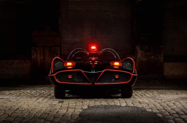 Chat choi nhu sieu xe Nguoi Doi Batmobile gia 5,67 ty-Hinh-8