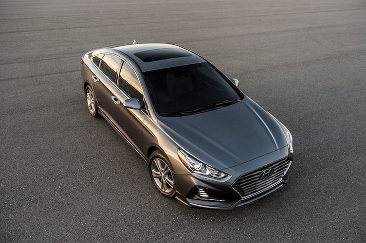 """Dau"" Toyota Camry, Hyundai Sonata 2018 chot gia 500 trieu-Hinh-2"
