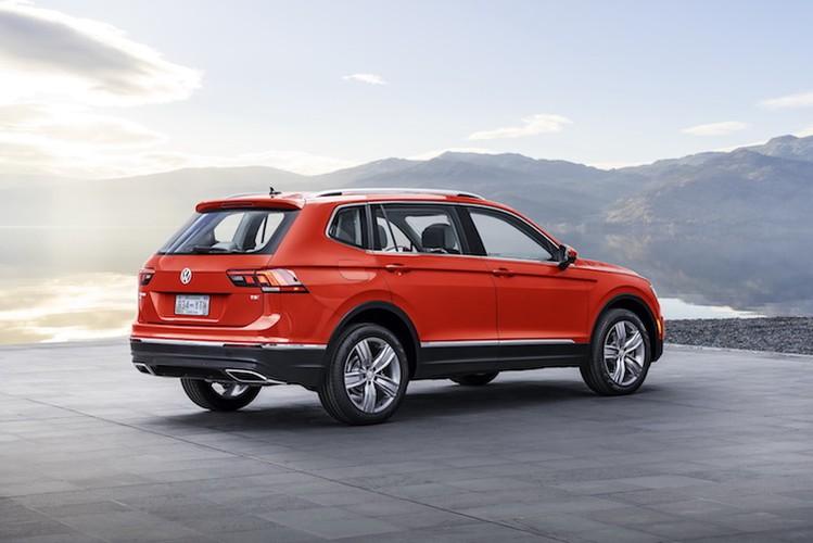 Chot gia 659 trieu, Volkswagen Tiguan quyet ha Honda CR-V-Hinh-3