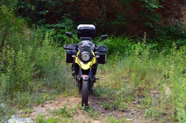 Can canh moto Suzuki V-Strom 250 gia chi tu 99 trieu-Hinh-2
