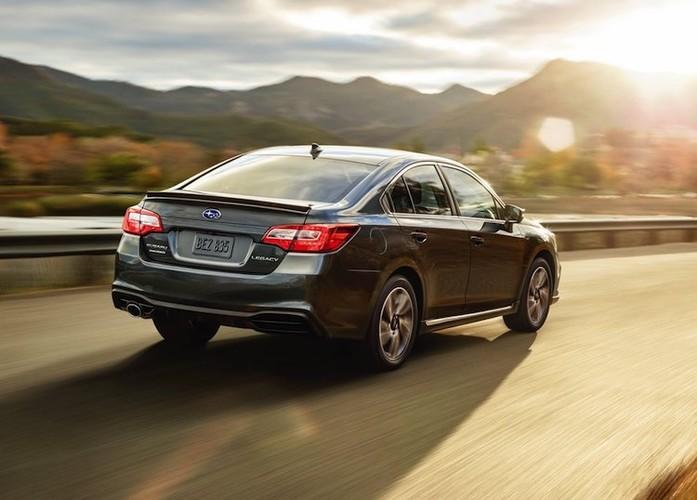 """Cap doi Subaru Legacy & Outback 2018 """"chot gia"""" 504 trieu-Hinh-3"""