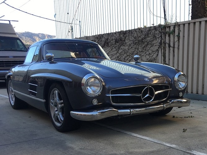 "Mercedes SLK ""nhai"" huyen thoai 300 SL gia hon 3 ty"