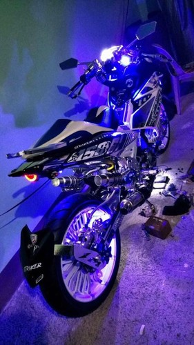 Can canh Yamaha Exciter 150 do khung nhat The gioi-Hinh-7