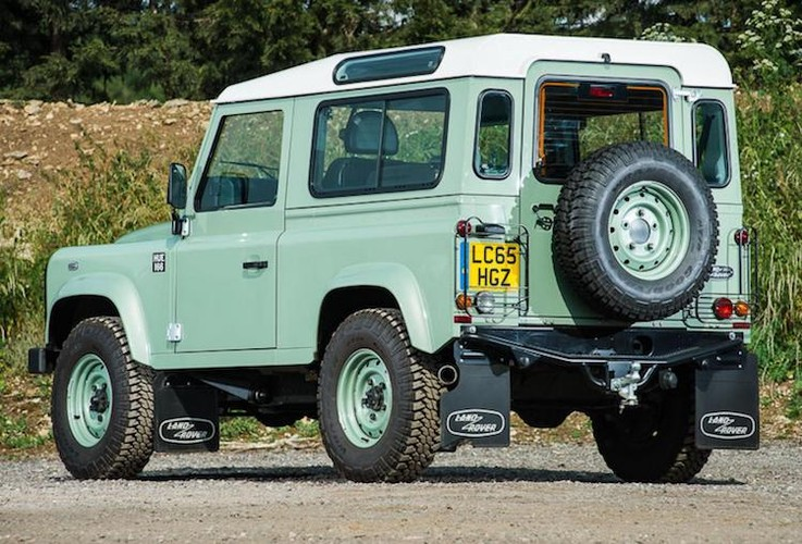 Mr.Bean ban xe dia hinh Land Rover Defender gia 1,3 ty-Hinh-3