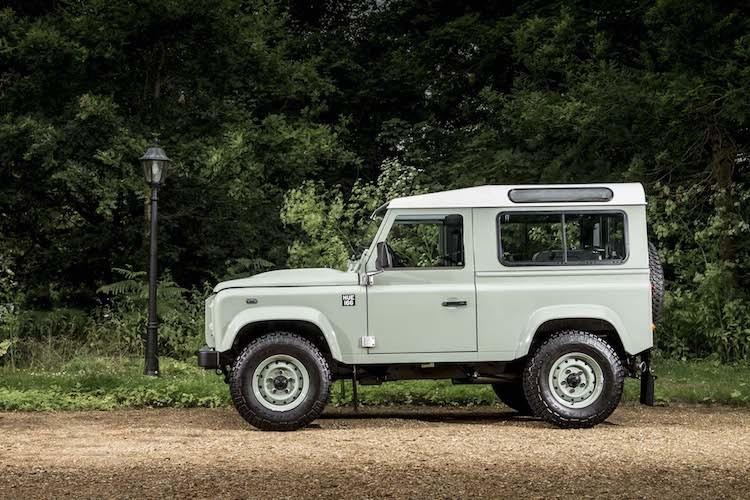 Mr.Bean ban xe dia hinh Land Rover Defender gia 1,3 ty-Hinh-7