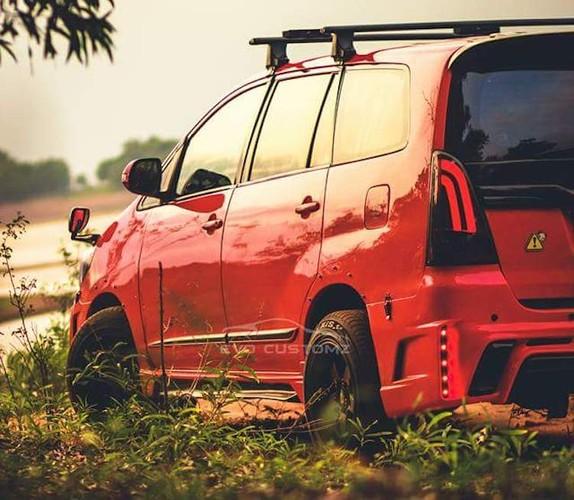 Can canh Toyota Innova do Lexus gia chi 70,4 trieu-Hinh-2