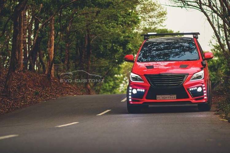 Can canh Toyota Innova do Lexus gia chi 70,4 trieu-Hinh-6