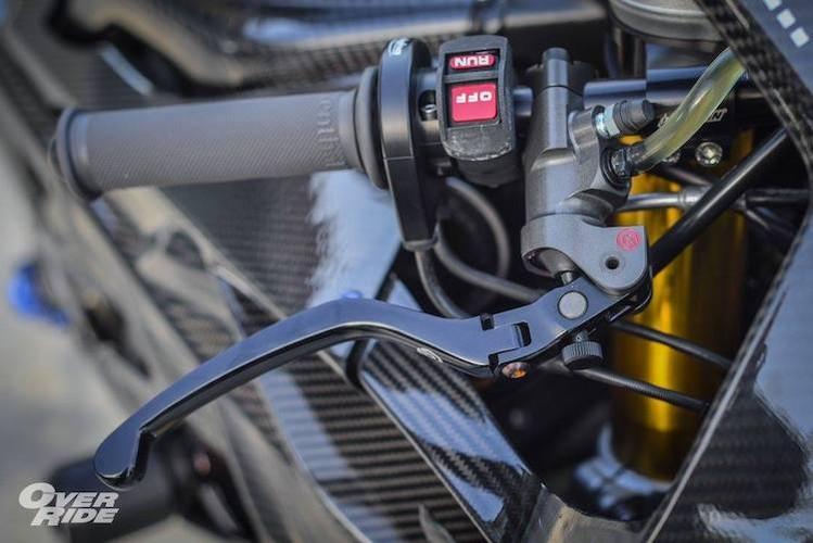"Sieu moto BMW S1000RR HP4 tien ty do ""sieu khung""-Hinh-5"