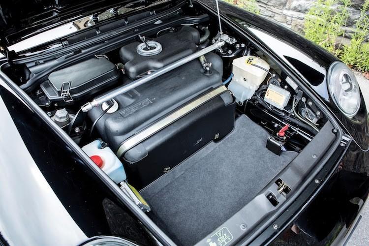 """Sieu xe """"hang co"""" Porsche 911 GT2 thet gia ca trieu do-Hinh-4"""