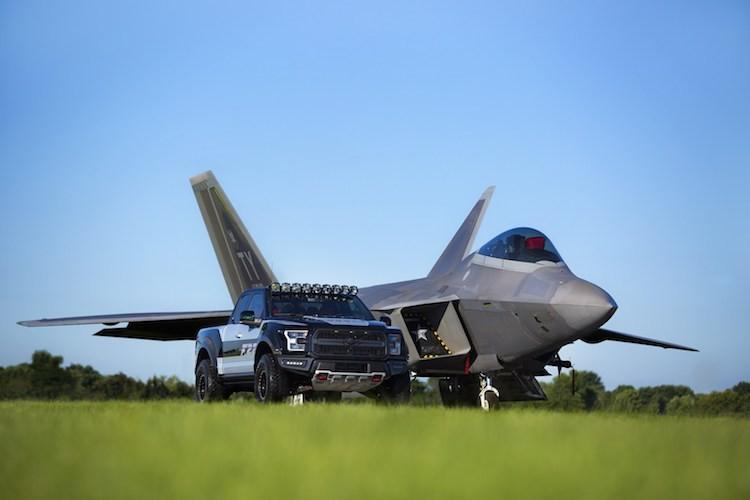 "Ford F150 Raptor may bay tang hinh F-22 ""chot gia"" 6,8 ty"