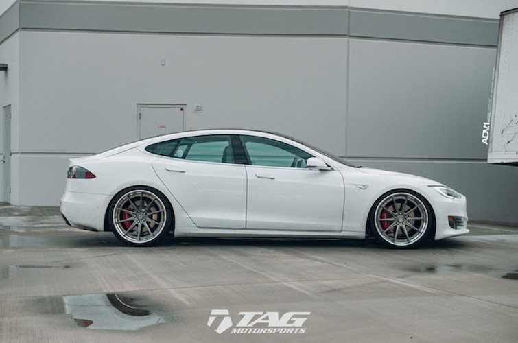 "Sieu xe dien Tesla Model S 3 ty do mam ""hang khung""-Hinh-2"