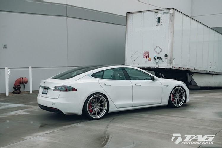 "Sieu xe dien Tesla Model S 3 ty do mam ""hang khung""-Hinh-3"
