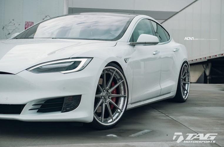 "Sieu xe dien Tesla Model S 3 ty do mam ""hang khung""-Hinh-6"