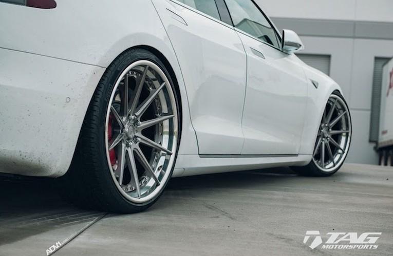 "Sieu xe dien Tesla Model S 3 ty do mam ""hang khung""-Hinh-7"