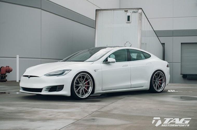 "Sieu xe dien Tesla Model S 3 ty do mam ""hang khung"""