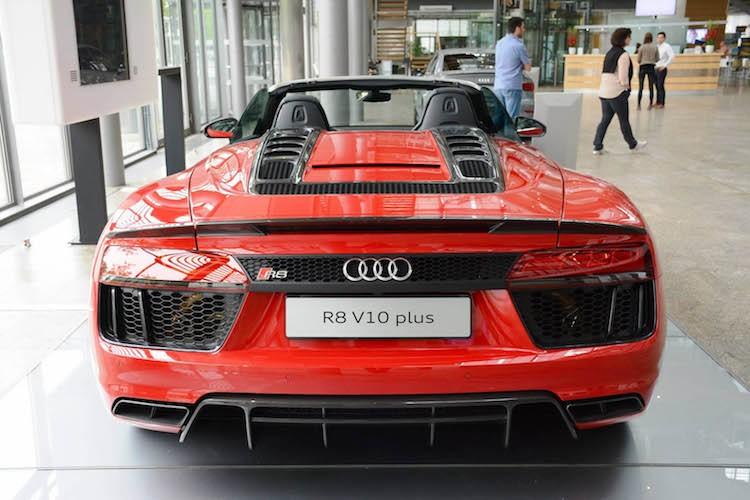 """Cham mat"" sieu xe Audi R8 Spyder Plus gia 5,2 ty-Hinh-3"