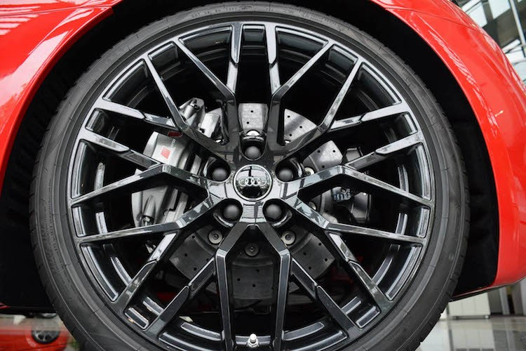 """Cham mat"" sieu xe Audi R8 Spyder Plus gia 5,2 ty-Hinh-6"