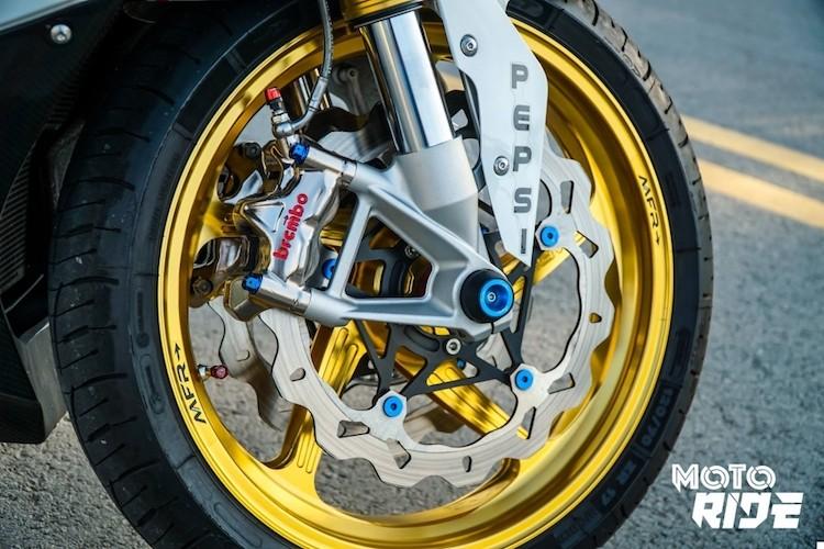 Dan choi Sai Gon chi tram trieu do moto BMW S1000RR-Hinh-3
