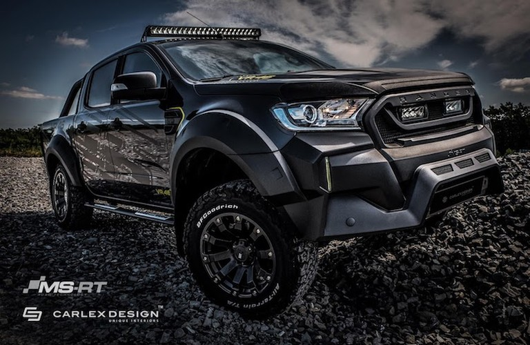 """Ford Ranger do offroad """"sieu ngau"""" phong cach Valentino Rossi"""