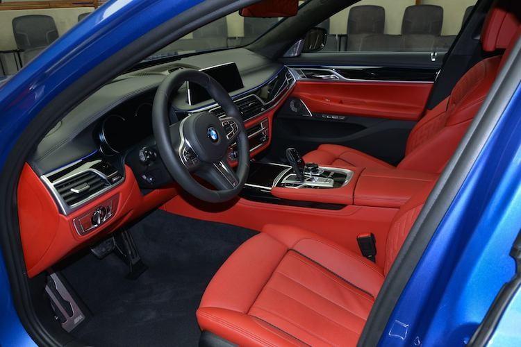 "Can canh xe sang BMW M760Li ""full option"" gia 4,5 ty-Hinh-5"