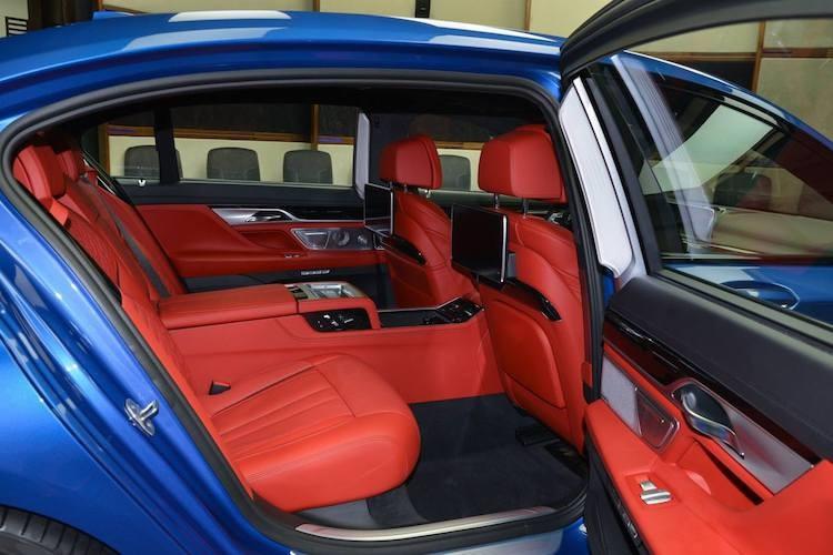 "Can canh xe sang BMW M760Li ""full option"" gia 4,5 ty-Hinh-6"