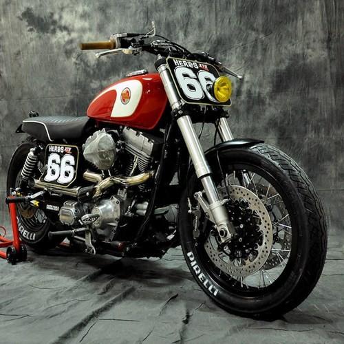 """Harley-Davidson Dyna """"lot xac"""" moto tracker duong pho-Hinh-2"""