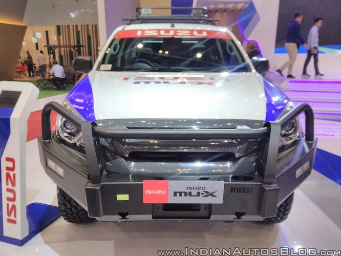 "Isuzu ra mat xe oto dia hinh off-roader MU-X 2017 ""cuc doc""-Hinh-2"