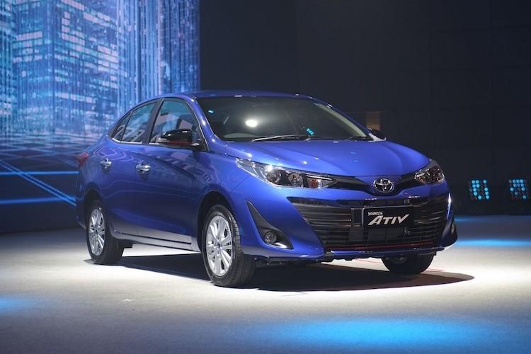 """Soi"" sedan Toyota Yaris Ativ re hon Vios gia chi 320 trieu-Hinh-2"