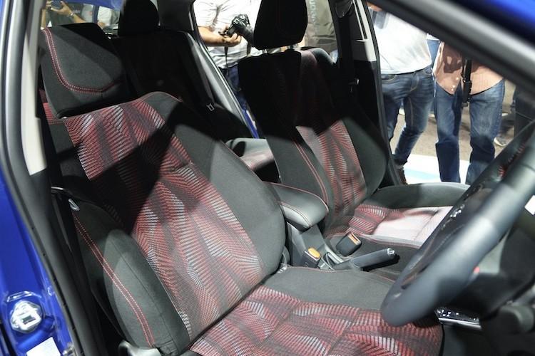 """Soi"" sedan Toyota Yaris Ativ re hon Vios gia chi 320 trieu-Hinh-5"