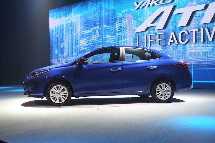 """Soi"" sedan Toyota Yaris Ativ re hon Vios gia chi 320 trieu-Hinh-6"