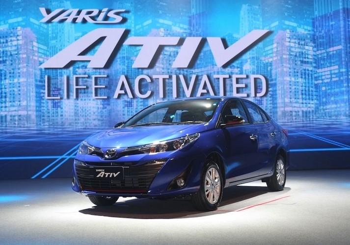 """""""Soi"""" sedan Toyota Yaris Ativ re hon Vios gia chi 320 trieu"""