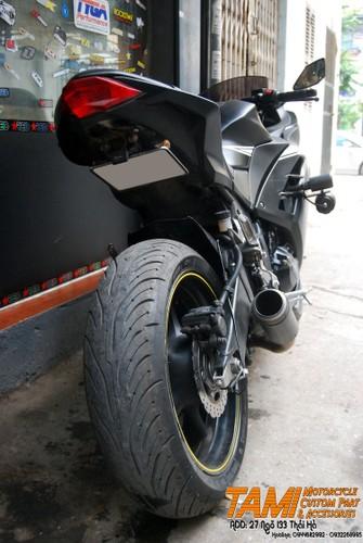 """Moto Kawasaki Ninja 300 do """"chan dai"""" Yamaha R6 tai Ha Noi-Hinh-4"""