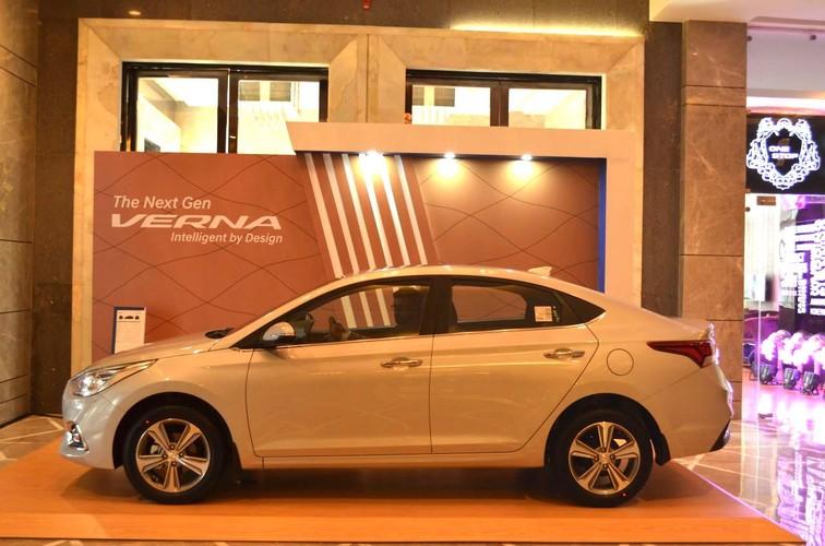 """Sedan sieu re Hyundai Verna 2017 """"chot gia"""" 283 trieu dong-Hinh-8"""