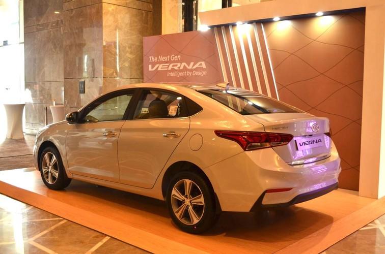 """Sedan sieu re Hyundai Verna 2017 """"chot gia"""" 283 trieu dong-Hinh-9"""