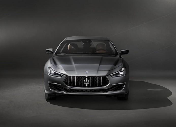 "Maserati Ghibli 2018 co gi de ""dau"" Mercedes E-Class-Hinh-2"
