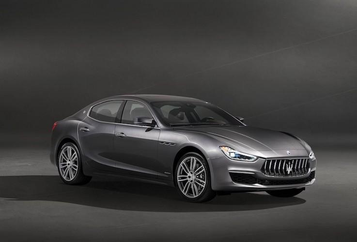 "Maserati Ghibli 2018 co gi de ""dau"" Mercedes E-Class"