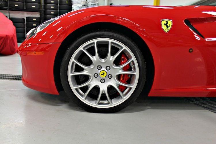 """Sieu xe Ferrari 599 GTB so san """"thet gia"""" toi 15 ty-Hinh-2"""