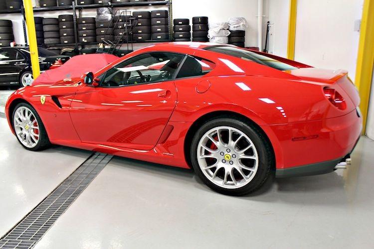 """Sieu xe Ferrari 599 GTB so san """"thet gia"""" toi 15 ty-Hinh-7"""